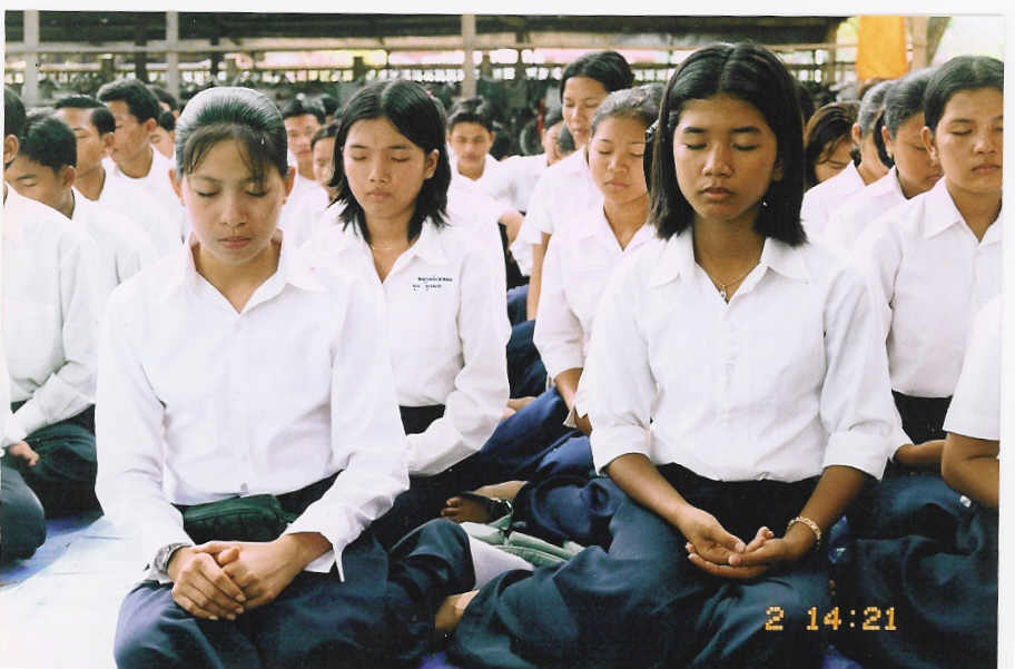 Cambodian New Genius Generations are Concentrating          to Gain Wisdom